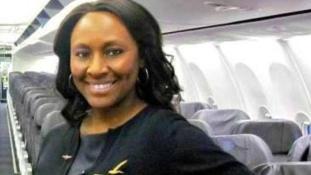 Emberkereskedőtől mentett meg egy lányt a hős stewardess