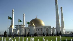 98%-ot kapott az elnökválasztáson a diktátor Türkmenisztánban