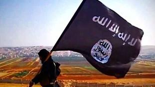 Az Iszlám Állam végzett egyik harcosa kisgyerekével, mert az apa haza akart térni Ausztráliába