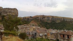Besokalltak a szicíliaiak a maffiaturizmustól