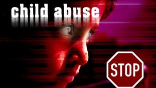 Bíróság előtt a 70 éves dán férfi, akit 346 filippínó gyerek szexuális zaklatásával vádolnak