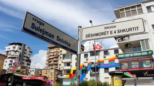 Vége a káosznak: hamarosan mindenkinek lesz lakcíme Albániában