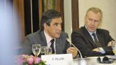 Miért kapott méregdrága svájci órákat kormányfőként Francois Fillon?