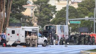 Lövöldözés halottal egy buszon Las Vegasban
