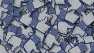 A Facebook miatt kínozta meg a feleségét