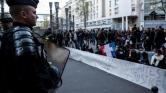 Letartóztatás helyett lelőtték- harmadik napja tüntetnek Párizsban a kínaiak
