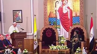 Ferenc pápa határozottan elítélte az iszlamista terrorizmust Kairóban