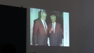 Portugál szegfűk az egyetemen – két nagy államférfira emlékeztek az ELTE-n