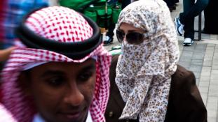 Májadománytól a gyíkgyűjtésig – furcsa hozományok Szaúd-Arábiában