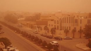 Sötétség délben – az iskolák is zárva maradnak a homokvihar miatt