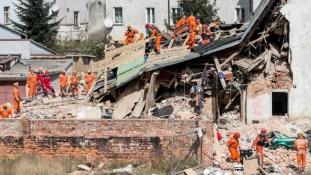 Összeomlott egy ház Lengyelországban, halottak is vannak
