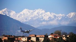 Leopárdriadó Katmandu repülőterén