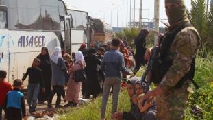 Öngyilkos merénylet menekültek ellen Aleppónál – mintegy 100 halott