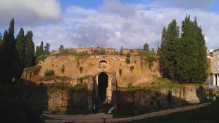 10 millió euróból újítják fel Róma első császárának a sírját