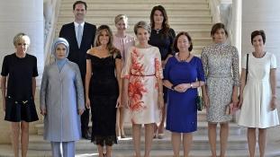 First gentlemannel bővült a first ladyk tábora a brüsszeli NATO-csúcson
