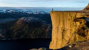 Több száz turista jelent meg egy norvég faluban a Google Maps hibája miatt