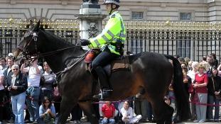3 ezer dzsihádharcos a brit utcákon