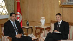 Kirúgják a diplomáciai szolgálatból a francia James Bondot?
