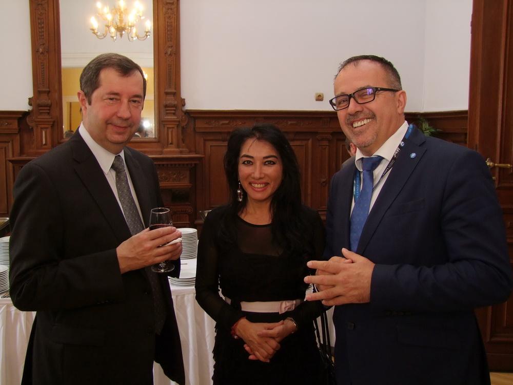 Vlagyir szergejev. Oroszország nagykövete, Csillik Dilara és Balogh Sándor.