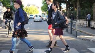 Fiúk szoknyában – akció az egyenjogúságért a francia középiskolákban