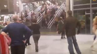 Az amerikaiak szerint iszlamista merénylő robbantott Manchesterben – videó