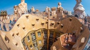 A turizmus nagyobb probléma Barcelonában, mint a munkanélküliség