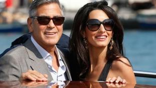 Megszülettek Amal és George Clooney ikrei