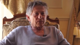 Roman Polanski áldozata hivatalosan is kéri a vizsgálat megszüntetését a filmrendező ellen