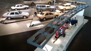 Ikonikus autók parádéja – fotóriport a Mercedes múzeumából