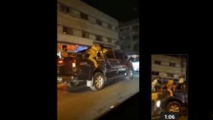 Oroszlánnal kocsikázott Karacsi utcáin – letartóztatták / videó