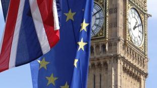 Addig maradhatnak az EU polgárai a Brexit után Nagy-Britanniában, ameddig csak akarnak