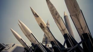 Újabb észak-koreai rakétakísérlet: mikor érhetik el Kaliforniát?