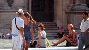 Kevesebb turista járt Franciaországban tavaly a terrorizmus miatt, de a franciák így is világelsők