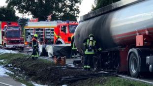 Életét kockáztatva vezette a kigyulladt üzemanyagszállítót egy hős kamionsofőr Bajorországban