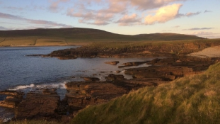 Íme egy lakatlan skót sziget, ami csak évi egyszer mutatja meg magát az embereknek