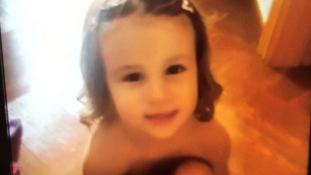 Elaludt a síneken – 3 napig gyászolják a 3 éves kislányt egy spanyol kisvárosban