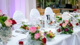 Lefújták az esküvőt, hajléktalanokat vendégelt meg a menyasszony