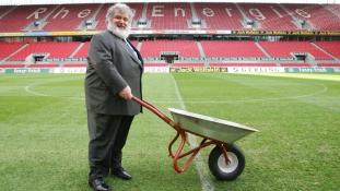 Meghalt a vakond, aki lebuktatta a FIFA egész vezérkarát
