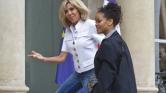 Rihanna az Élysée-palotában – videó