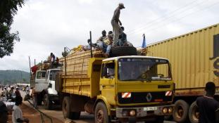 Brutális közúti baleset Közép-Afrikában, 78 halott