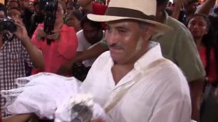 Krokodillal házasodott össze a mexikói polgármester
