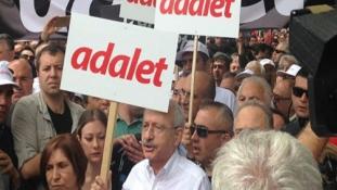 Hatalmas tüntetés Erdogan ellen Isztambulban – videó