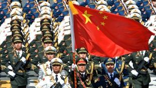 Katonai parádé Pekingben – videó