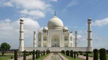 Sárgul a Tadzs Mahal – az üvegfúvóknak távozniuk kell