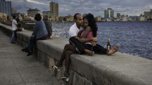 Néhány óra ölelkezés – újraélednek a szerelemszállók Kubában