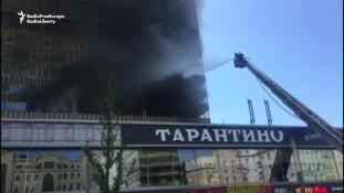 Tűz a Könyv-palotában Moszkva kellős közepén – videó