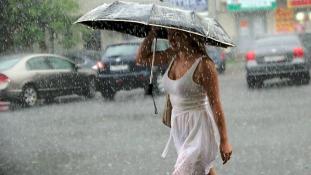 Megnyílt az ég – az évszázad esőzése Moszkvában (videó)