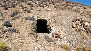 Beomlott egy aranybánya, legalább 17-en a föld alatt rekedtek