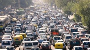 India gazdasági okokból nem kér az önvezető járművekből