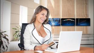 Szigorú öltözködési szabályok közszolgáknak – tilos szexinek lenni az irodában